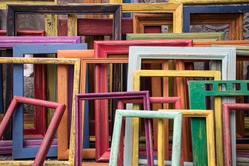 Image of many-colored picture frames